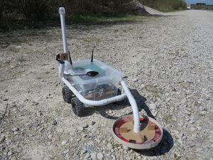 Discoverer with gps antenna
