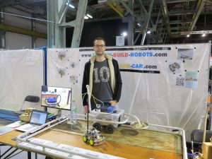 Custom-Build-Robots.com exhibition booth