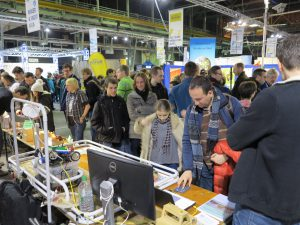 Custom-Build-Robots.com exhibition booth and visitors