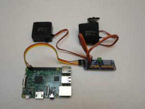 16 Kanal Servo Kontroller I2C Schnittstelle PCA9685 logisch angeschlossen mit Servo Motoren