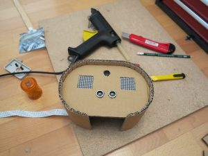 Toy robot head 01