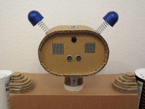 Toy robot head