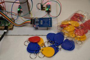 Raspberry Pi Laser Lichtschranke RFID Tokens
