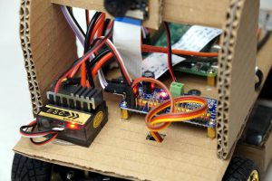 Autonom fahrendes Raspberry Pi KI Roboter Auto - ESC Fahrtenregler