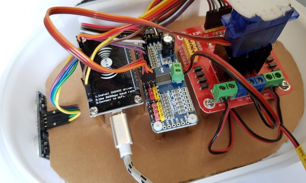 Building robots with the ESP8266 development board – servo motor control